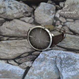 New Girard-Perregaux 1966 44 mm - Watches - Blog 1